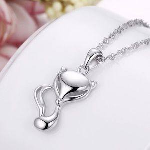 Jewelry - Gorgeous 925 Sterling Silver stamped Necklace.